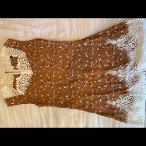 Floral brown Dress with lace details